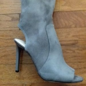 Shoes - Open toe and heel boot